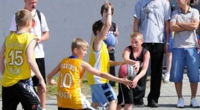 Swedbank Latvijas skolu strītbolā 161 komanda