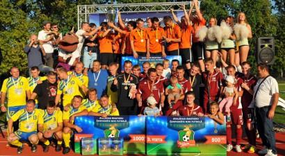 """""""Mītava Open 2013"""" čempioni - komanda """"Garāža"""""""
