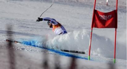 Franču kalnu slēpotājam Rožē dienu pirms sacensībām plīst krusteniskās saites