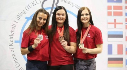 RTU absolvente izcīna Eiropas čempiones titulu svarbumbu celšanā