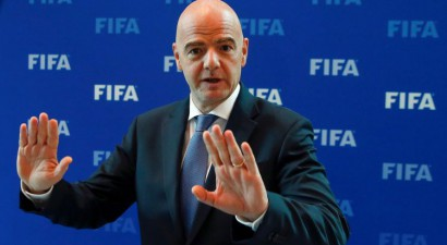 FIFA stingri rekomendē globālas izmaiņas futbolistu līgumos