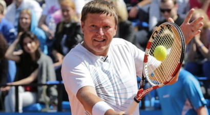 Kafeļņikovs min Ostapenko un Sabaļenku kā piemērus sliktā attieksmē pret treneriem