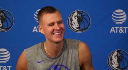 Porziņģis pirmo reizi NBA karjerā laukumā dosies ar uzrakstu latviešu valodā