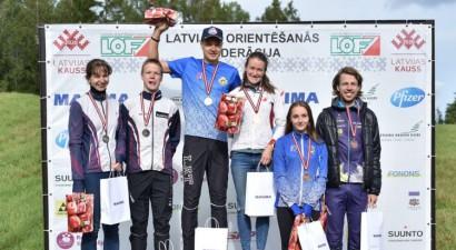 Par Latvijas čempioniem pagarinātajā distancē kļūst Valdmane un Pauliņš