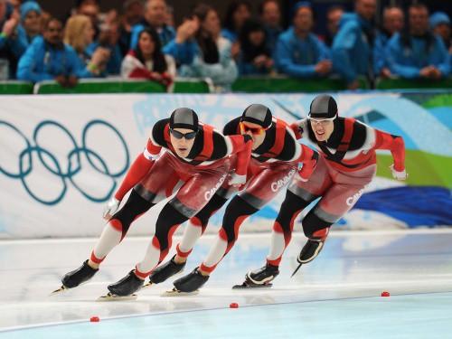 Kanādieši un vācietes uzvar komandu sacensībās