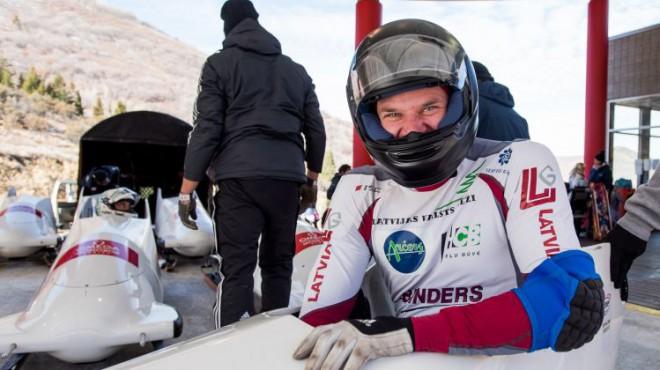 Parabobslejists Brants Pasaules kausa sezonu atklāj ar trešo vietu Kalgari