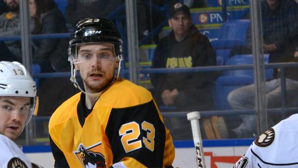 """Bļugeram uzvara Amerikas Hokeja līgas spēlē pār Kivlenieka """"Monsters"""""""