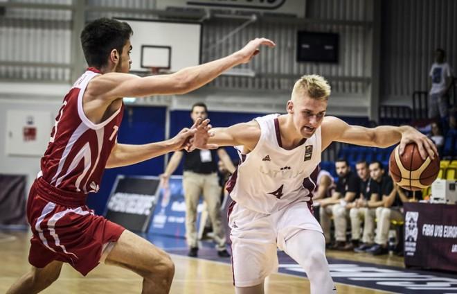 Sprādzienā cietis Latvijas U18 izlases basketbolists Vīksne