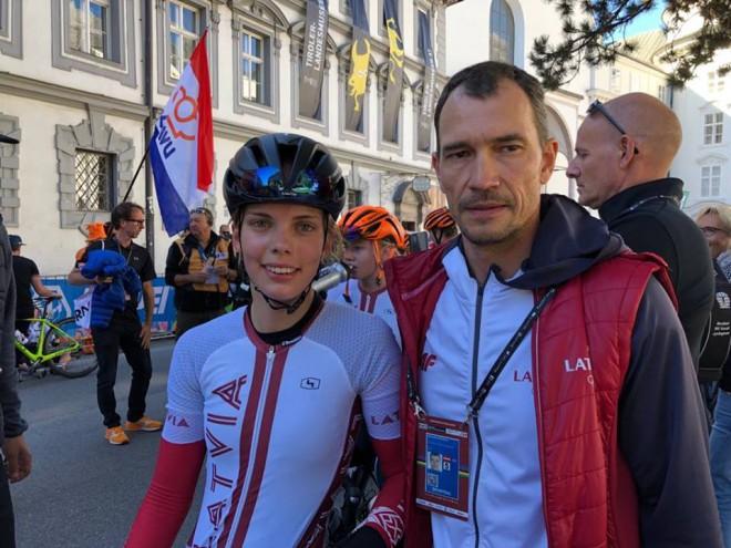 Svarinskai 41. vieta pasaules čempionāta grupas brauciena sacensībās juniorēm