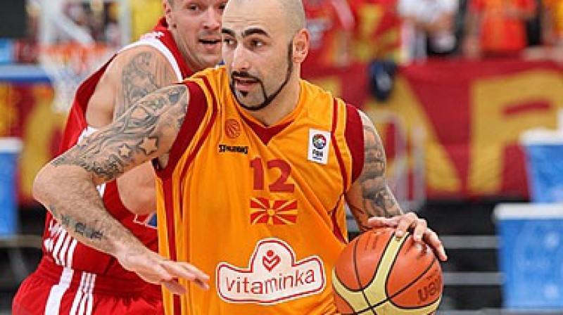 Maķedonija ar spēka uzbrucēju Pero Antiču priekšgalā ir pirmajā vietā F grupā un vienas uzvaras attālumā no iekļūšanas Eiropas Top8 Foto: www.fibaeurope.com Castoria/Georgopoulos