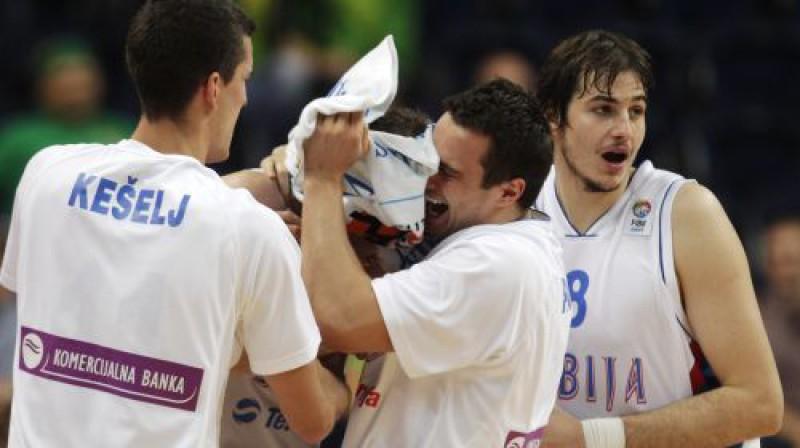 Serbijas basketbolisti Foto: Reuters/Scanpix