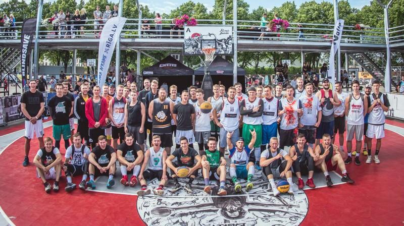"""""""Ghetto Basket"""" 7. jūnija Pro grupas komandas Publicitātes foto"""