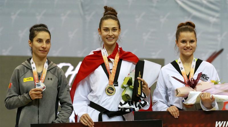 Inese Tarvida (pa labi)  Foto: worldtaekwondo.org