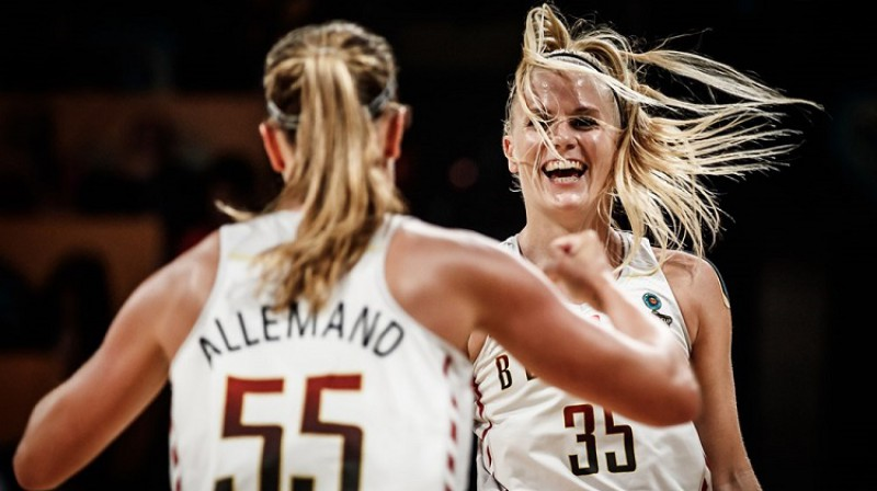 Žulī Alemāna un Žulī Vanlū: Beļģijas ņiprās saspēles vadītājas. Foto: FIBA