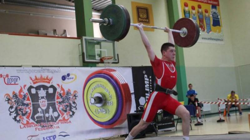 Artjoms Griščenko. Foto: Latvijas Svarcelšanas federācija