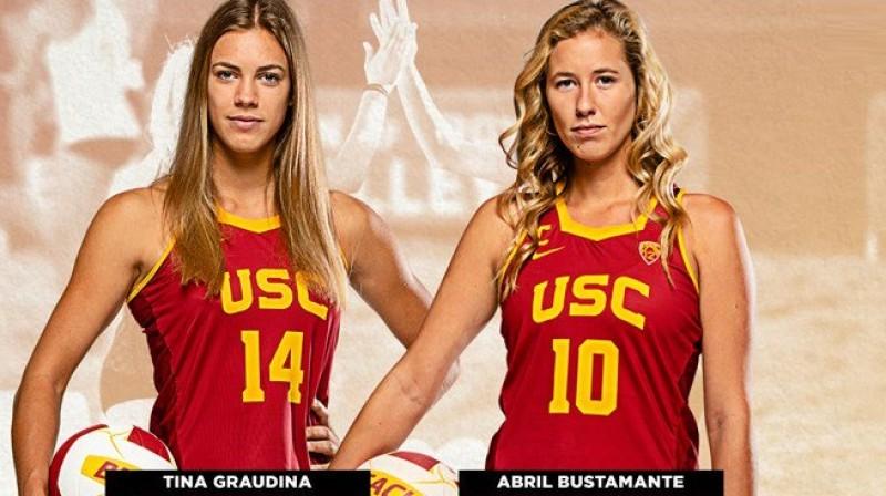 Tīna Graudiņa un Abrila Bustamante. Foto: USC Beach Volleyball