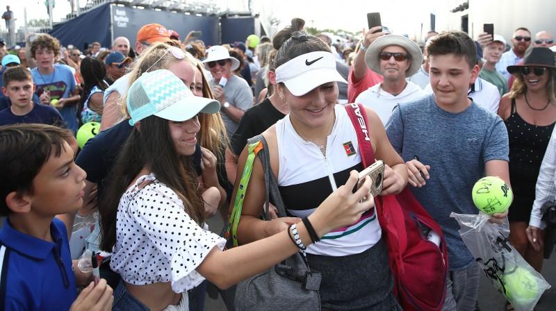 Bjanka Andresku fanu ielenkumā. Foto: AFP/Scanpix