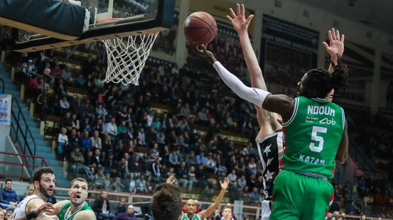 """""""Unics"""" basketbolists Moriss Ndurs uzbrukumā. Foto: VTB līga"""
