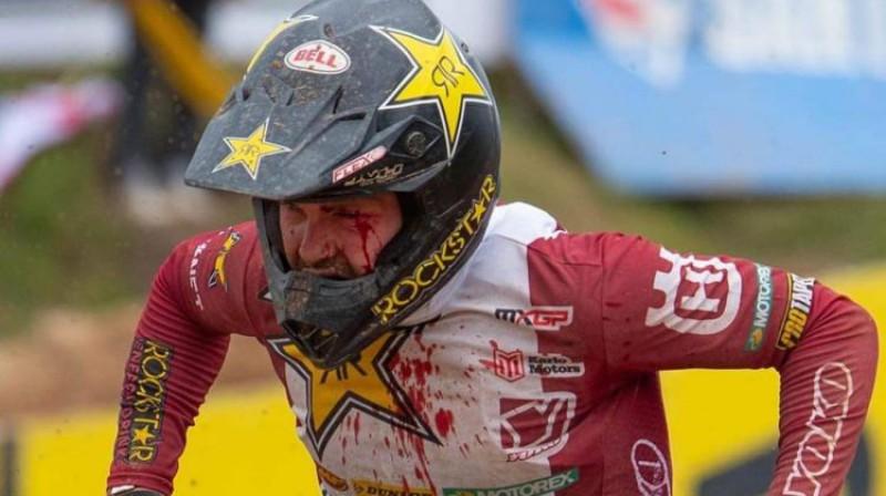 Pauls Jonass cīnās pirmajā braucienā Ķegumā. Foto: MX Vice