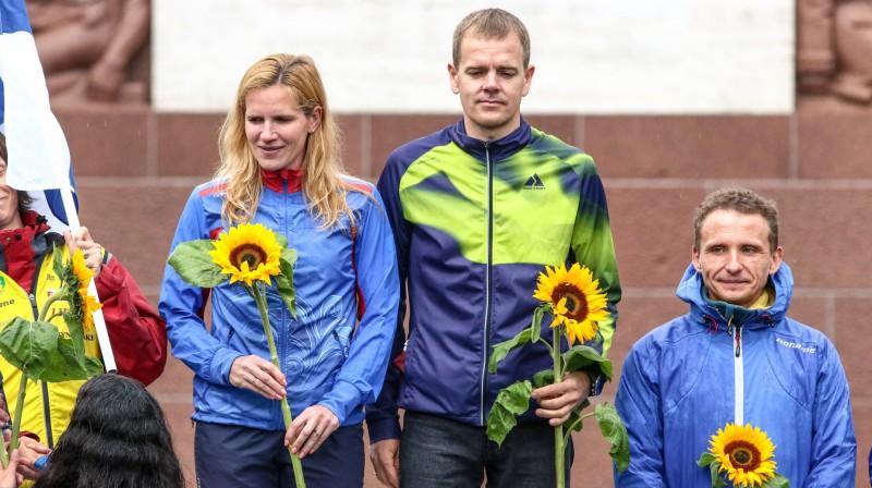 Jānis Krūmiņš (centrā) uz pasaules čempionāta goda pjedestāla. Foto: Jānis Ligats