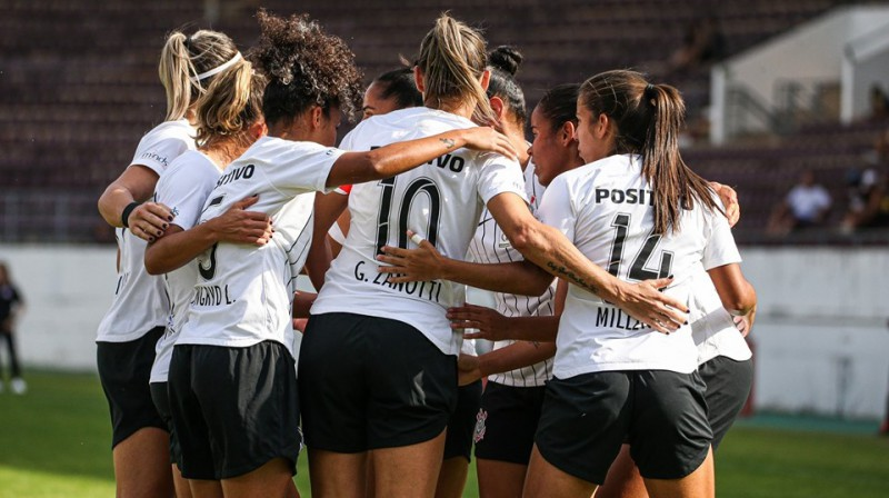 """Corinthians"" futbolistes. Foto no komandas Facebook profila"