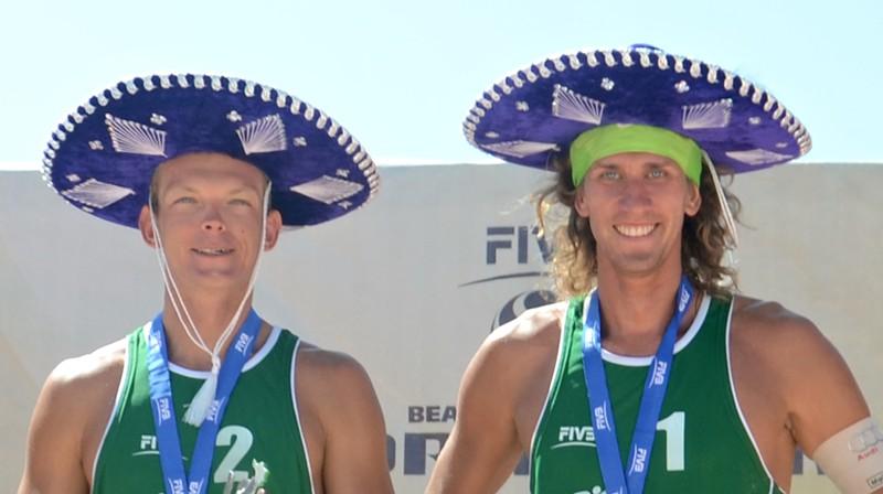 Jānis Šmēdiņš un Aleksandrs Samoilovs uzvar Meksikas posmā (2014). Foto: FIVB