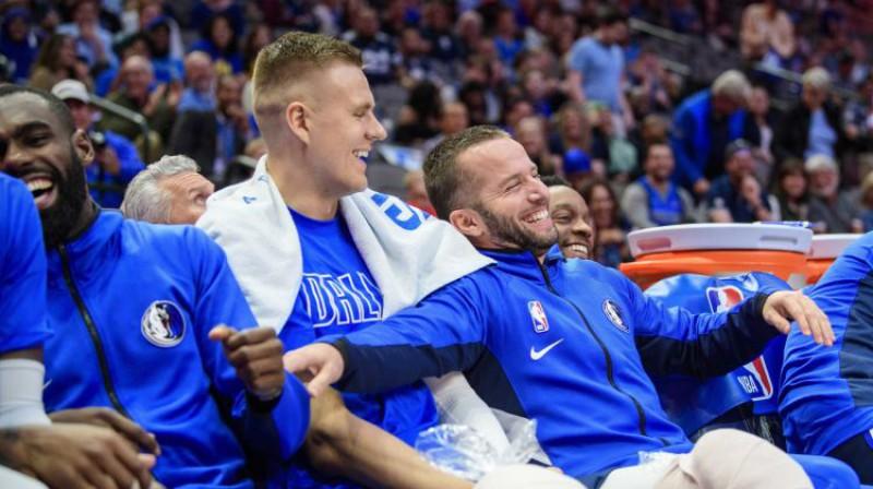 Kristaps Porziņģis kopā ar komandas biedriem. Foto: USA Today Sports/Scanpix