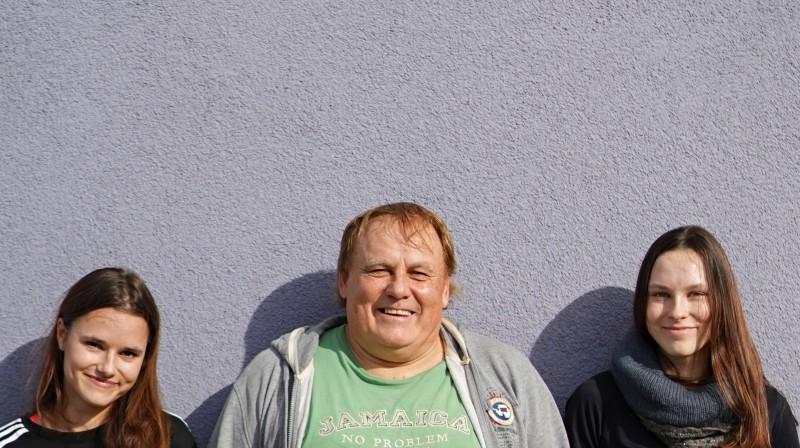 Inese Tarvida, tēvs Gintauts Tarvids, Jolanta Tarvida. Foto: Mārtiņš Zilgalvis, F64
