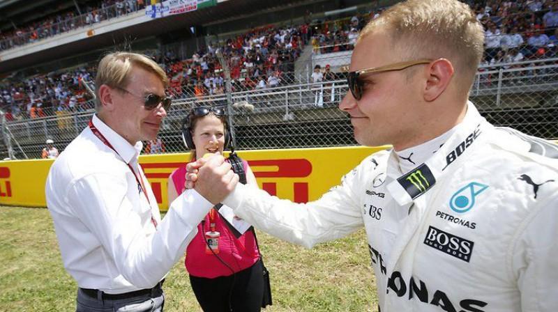 Mika Hakinens un Valteri Botass. Foto: Motorsport.com