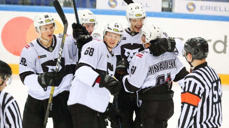 """""""Rīgas"""" hokejisti. Foto: HK Rīga"""
