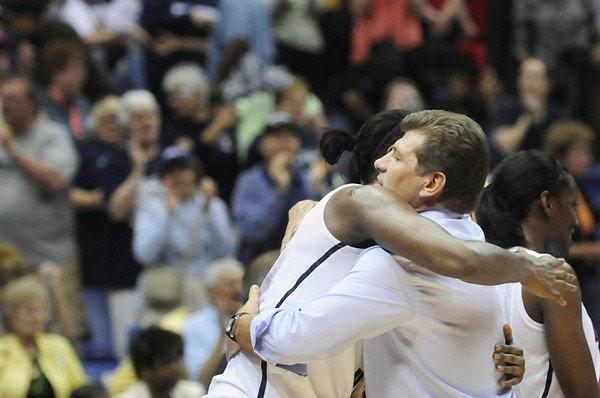 """""""UConn Huskies"""" septīto reizi triumfē NCAA čempionātā"""