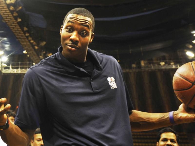NBA februāra spīdekļi - Hovards un Aldridžs