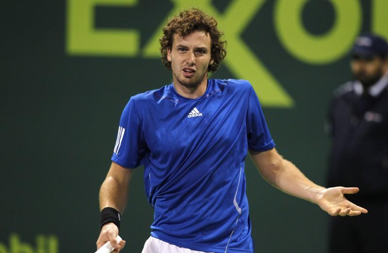Muļķīgas kļūdas Gulbim neļauj uzvarēt Nadalu