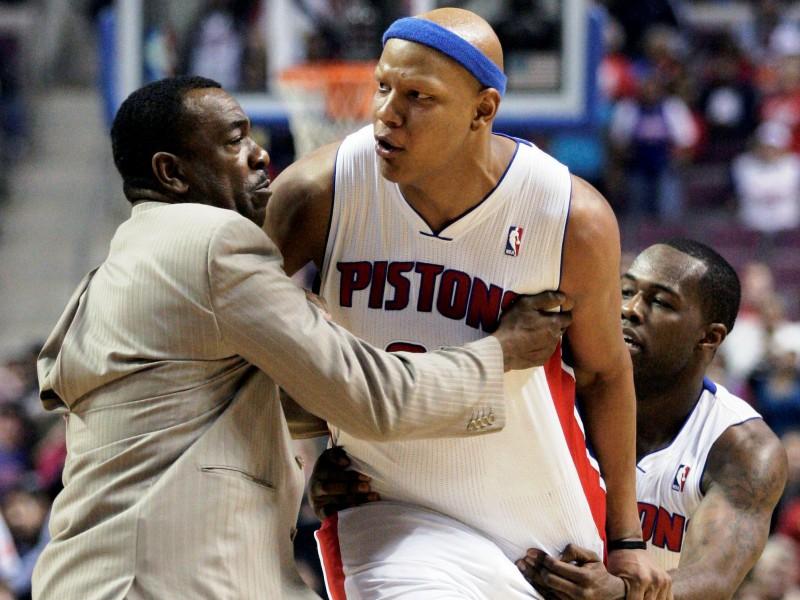 Kašķis NBA spēlē, iesaistās arī apsardze