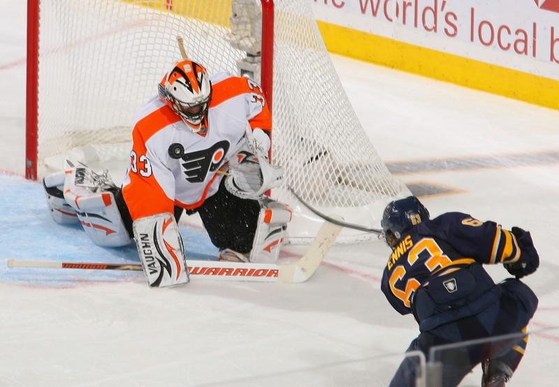 """""""Flyers"""" jau vadībā; """"Red Wings"""" soli no otrās kārtas"""