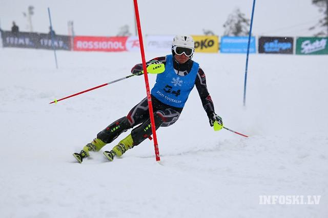 K.Zvejniekam atkal labs rezultāts FIS sacensībās slalomā