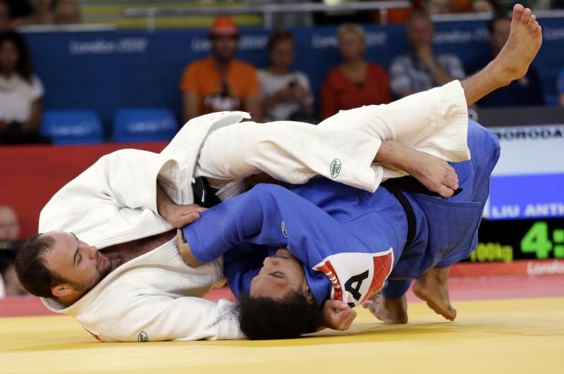 Borodavko olimpiāde beidzas pēc divām cīņām