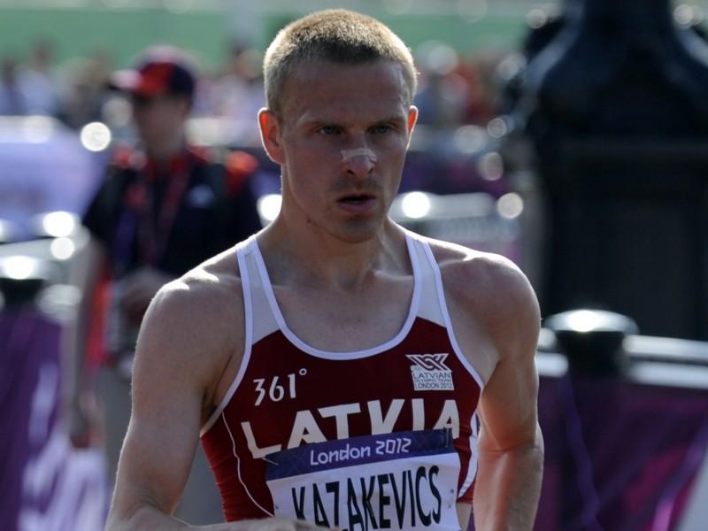 Kazakevičs noplīst un finišē 45.vietā, ar olimpisko rekordu triumfē Kirdjapkins