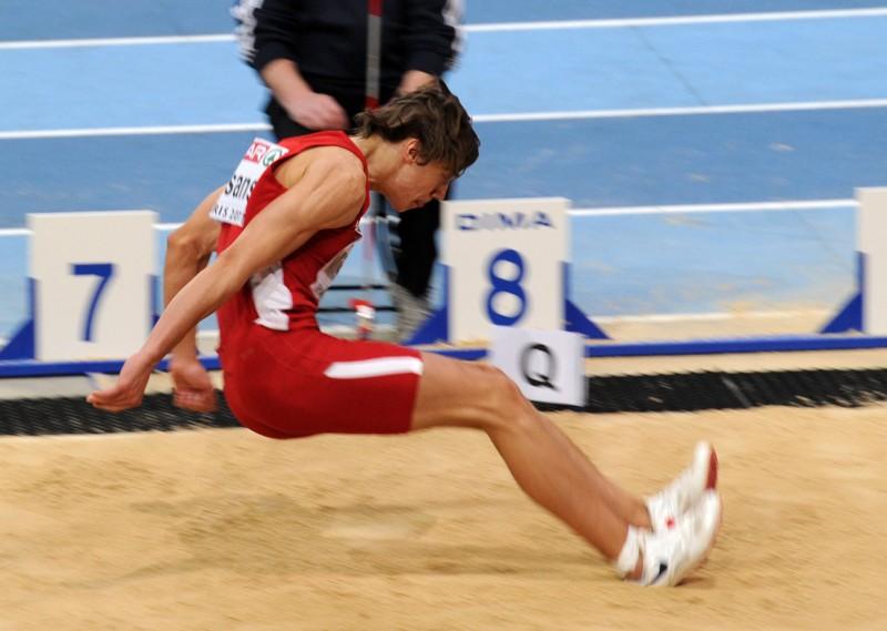 Jeļizarova un Misāns iekļūst Eiropas čempionāta finālā