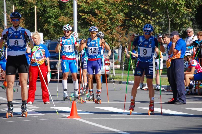 Mūsējie veiksmīgi nostartē pasaules kausā rollerslēpošanas sprintā