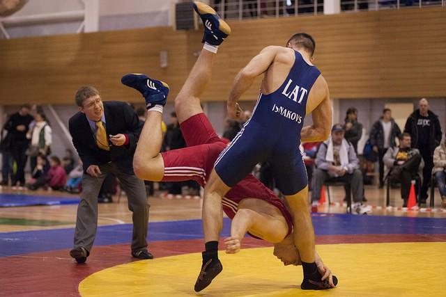 Cīkstonis Višņakovs netiek pasaules čempionāta astotdaļfinālā