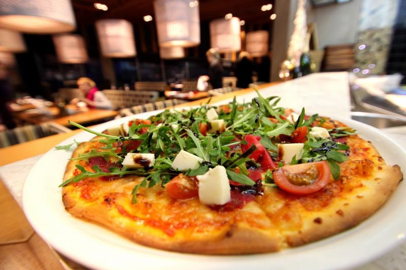 Kā pagatavot gardu picu itāļu garšu tradīcijās