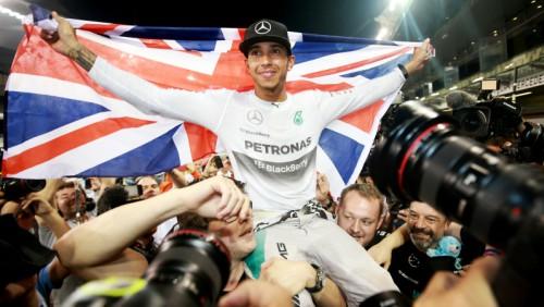 Hamiltons par spīti sadursmei ar Fetelu ceturto reizi kļūst par F1 čempionu