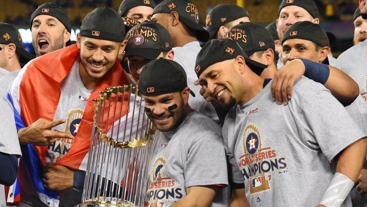 """Hjūstonas """"Astros"""" pirmoreiz vēsturē kļūst par MLB čempioni"""