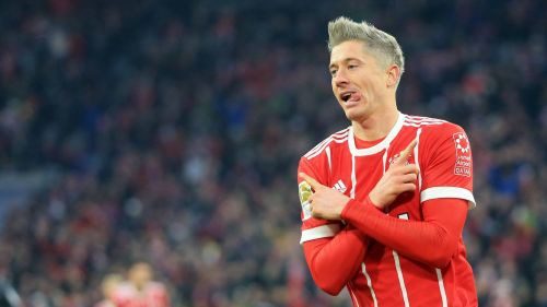 """""""Bayern"""" ātri ielaiž un neiesit pendeli, tomēr izrauj uzvaru"""
