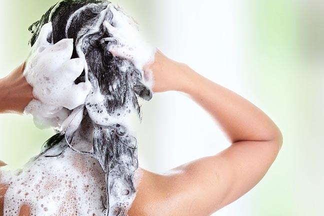 Pieci padomi, kā nokrāsot matus mājas apstākļos