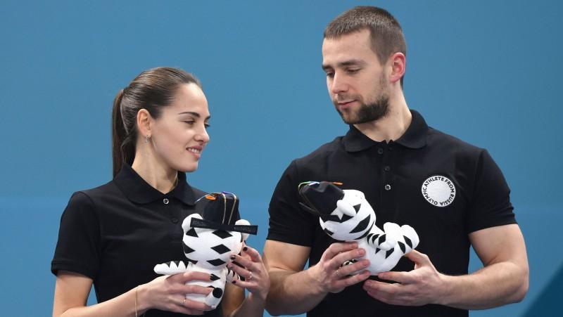 Medijs: krievu kērlingista dopinga analīzēs atrasts meldonijs
