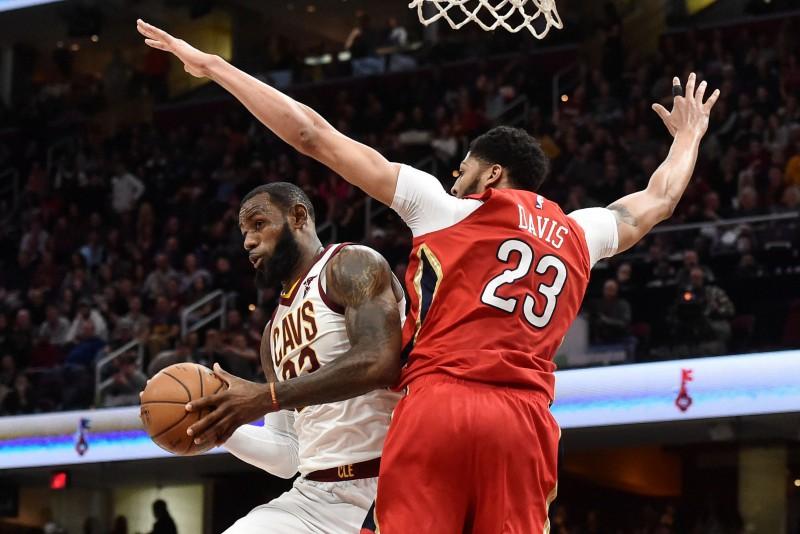 Džeimss un Deiviss - labākie NBA spēlētāji pēdējā regulārās sezonas mēnesī