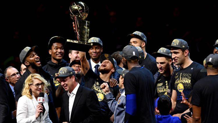 """""""Warriors"""" grauj un pārliecinoši nosargā NBA čempiones titulu, finālsērijas MVP - Durents"""