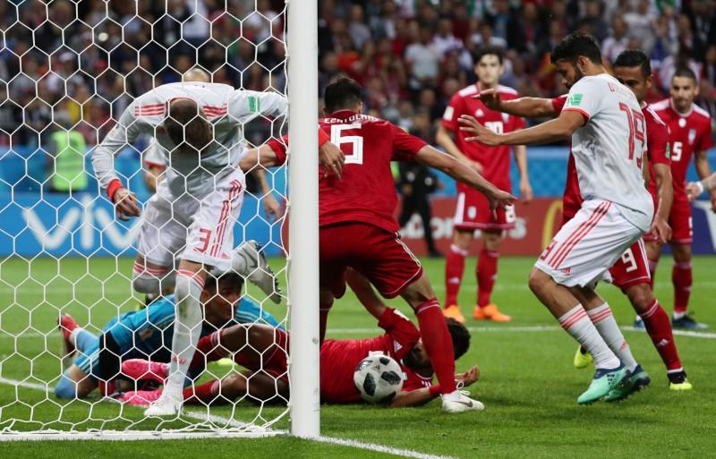 Irāna neizmanto iespējas, Spānijai minimāla uzvara